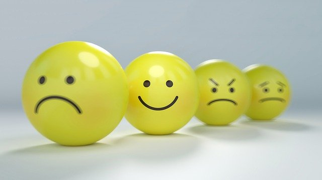 to be all smiles - happy idioms